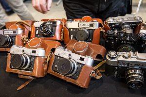 Jaunas kūrėjas iš rankų nepaleidžia juostinio fotoaparato