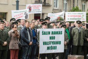 Urėdijų reformos priešininkai reikalauja teismo verdikto