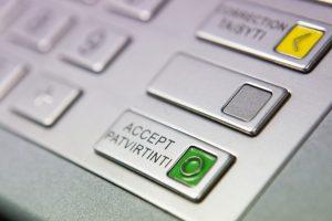 DNB banko klientai galės skirti paramą tiesiog bankomate