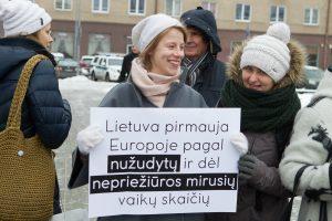 Du trečdaliai Lietuvos gyventojų pritaria fizinių bausmių draudimui