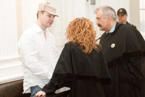 K. Michailovas skundžiasi, kad antstolis jo sąskaitą palieka tuščią