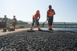Dėl asfaltavimo darbų Pilaitėje – eismo ribojimai