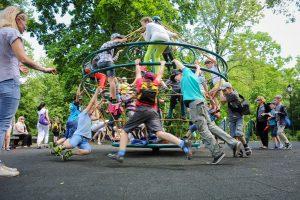 """""""Sodra"""" įspėja: tūkstančiai vaikų gali likti be išmokų"""
