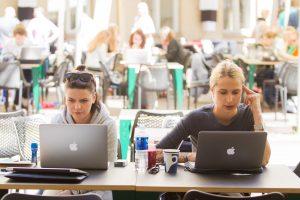 Moteris rinktis karjerą IT sektoriuje ragina ir prezidentė