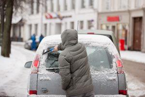 Du iš trijų Lietuvos vairuotojų rizikuoja patirti žiemiškų staigmenų