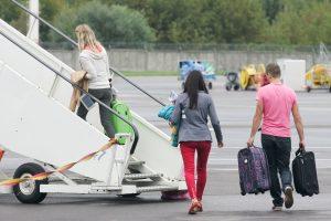 Kodėl oro linijos pardavinėja lėktuvų vietas, kurios neegzistuoja?