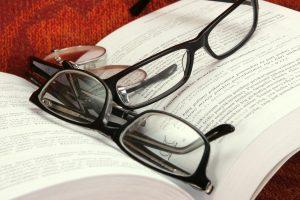Ką rinktis sutrikus regėjimui – akinius, pratimus ar operaciją
