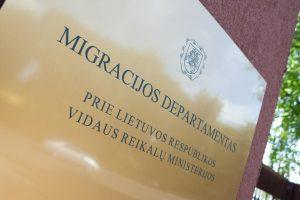 Teismą pasiekė byla dėl korupcijos išduodant leidimus užsieniečiams