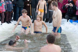 Į vandenį dar nešokite: tai nebuvo tikrasis pavasario griaustinis