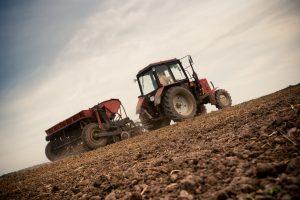 Skambina pavojaus varpais dėl Lietuvos dirvožemio