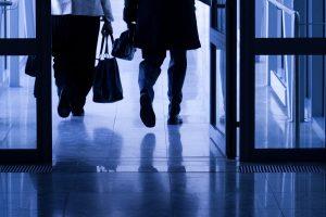 Žmonės bėga iš valstybės tarnybos