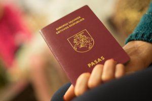 Užsieniečių įvaikinti vaikai išsaugos Lietuvos pilietybę