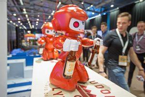 """Festivalyje """"Login"""" aludariai metė iššūkį robotams"""
