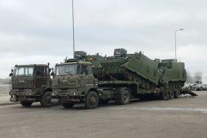 Atnaujinti Lietuvos kariuomenės vadovavimo šarvuočiai