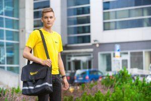 """""""Lietuvos paštas"""" siūlo darbą jaunimui"""