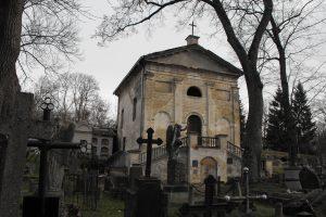Restauruojama Bernardinų kapinių koplyčia