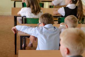 Korepetitorių bumas: vaikų mokslo spragos tėvams kainuoja tūkstančius