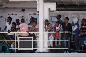 Lietuva galutinai sutarė su Italija dėl pabėgėlių apklausų