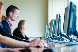 Investuotojai įvardijo perspektyviausias bakalauro studijų programas