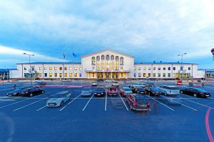 """Vilniaus oro uostas didina saugumą – samdo """"Ekskomisarų biurą"""""""