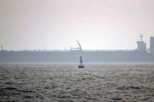 Lenkiją pasiekė tanklaiviu atplukdyta nafta iš Irano
