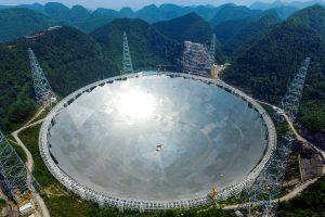 Kinija baigia kurti didžiausią pasaulyje radijo teleskopą