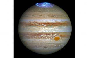 Žymusis Jupiterio uraganas įkaitina net iki 1500°C laipsnių