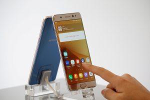 """Žiniasklaida: """"Samsung"""" stabdo """"Galaxy Note 7"""" gamybą"""