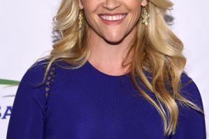 """R. Witherspoon žaismingai švenčia 15-ąsias """"Užsispyrusios blondinės"""" metines"""