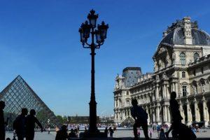 Paryžiaus Luvras – vėl lankomiausias pasaulio muziejus