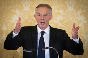 Po kritiškos ataskaitos T. Blairas gina sprendimą įsitraukti į Irako karą