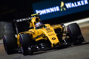 """""""Formulės 1"""" etapą Singapūre iš pirmosios pozicijos pradės vokietis"""