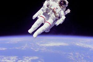 Astronautų nešiojamos cianido kapsulės – mitas ar tiesa?