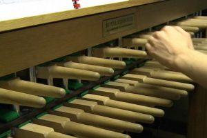Vienintelė kariljonininkė Lietuvoje groja dar 1937 m. įkurdintu instrumentu