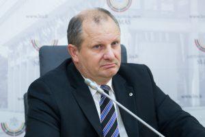 Dėl galimo balsų pirkimo iš Seimo pašalintas K. Komskis sieks grįžti