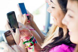 Lietuvoje užaugo mobilioji karta: jaunimas naršo 7 kartus daugiau