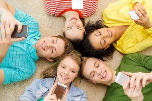 7 patarimai perkantiems išmanųjį telefoną moksleiviui