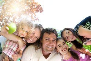 Laimingos vaikystės raktas – laimingi tėvai