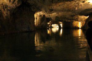 Didžiausią požeminį ežerą Šveicarijoje gaubia legenda