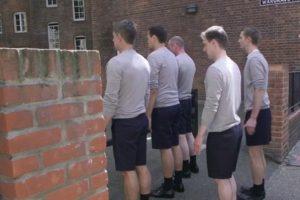 Performansas kviečia diskutuoti apie vyriškumo klišes