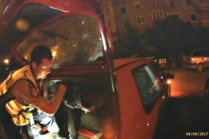 Sučiupti du įtariamieji vagystėmis iš automobilių
