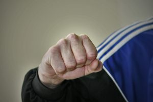 Tuberkuliozės ligoninėje apsaugos darbuotojas pakėlė ranką prieš mažametį