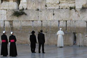 Dešimt svarbiausių popiežiaus Pranciškaus vizitų