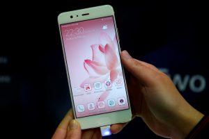 """Lietuvos institucijos """"Huawei"""" atsisakytų tik gavusios įrodymų dėl nesaugumo"""