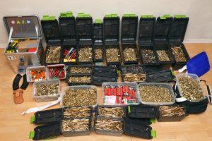 Berlyne per policijos reidus konfiskuota ginklų ir gausybė šaudmenų
