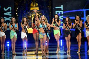 """Konkurse """"Mis Amerika"""" – sumaištis: dalyvės nebesipuoš maudymosi kostiumėliais"""