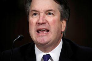 D. Trumpas po audringo posėdžio Senate toliau remia B. Kavanaugh