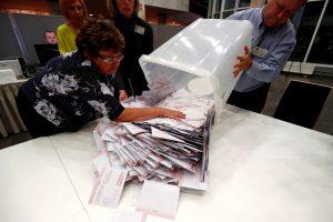 """Latvijos rinkimus laimėjo prorusiška """"Santarvė"""""""