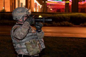 Sustabdė draudimą transseksualams registruotis tarnybai JAV kariuomenėje