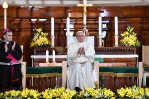 Popiežius Estijoje prabilo apie išnaudojimo skandalus